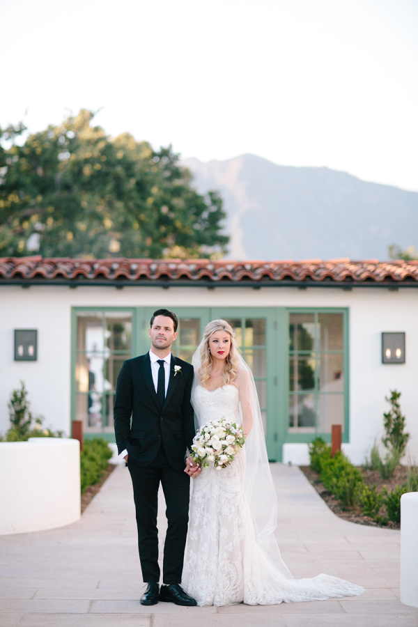 Al fresco Ojai, California wedding featured on Style Me Pretty